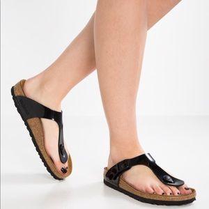 Birkenstock Betula Gizeh patent leather sandals